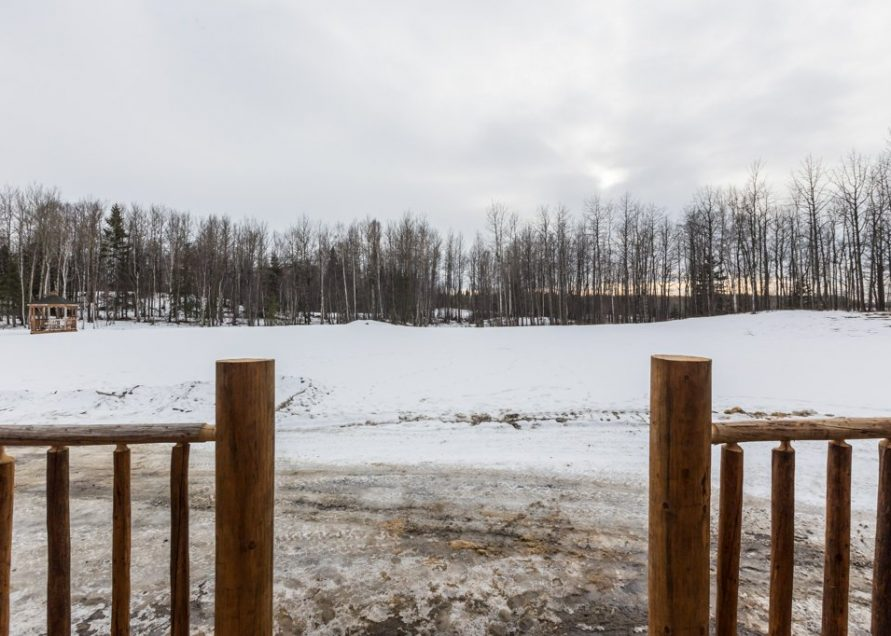 The Wolf Cabin rentals in Pigeon Lake, central Alberta. Bear Creek Cabins.